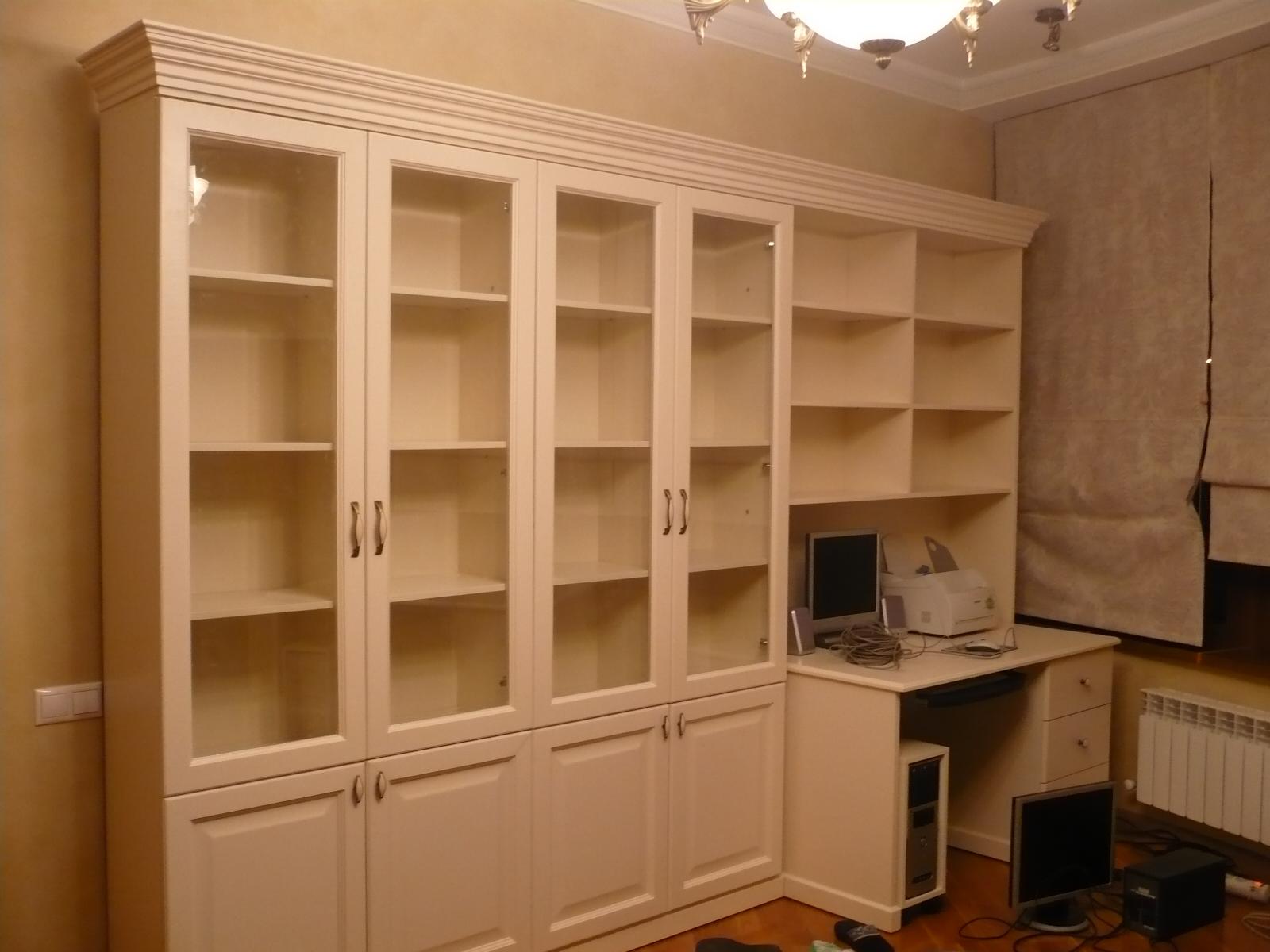 Изготовление книжных шкафов на заказ - столярные работы.
